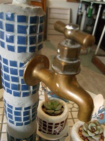 レトロブルー水栓柱